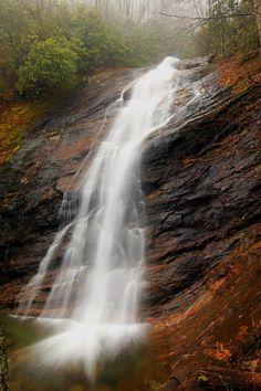 ✮ Waterfall in Wash Hollow - NC