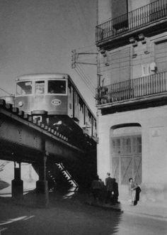 Vías del tren de Sants, hoy cubiertas por el Calaix actual. Barcelona Catalonia, Like Image, Past, 1, Places, Travel, Internet, Trains, Barcelona City