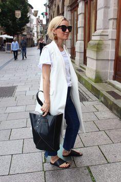 The white Vest - Anna Borisovna