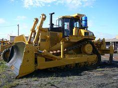 CAT Bulldozer D9N Cat Bulldozer, Biggest Truck, Septic System, Cat Things, Heavy Machinery, Septic Tank, Mechanical Engineering, Heavy Equipment, Big Trucks