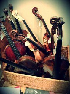 Violines para decorar o restaurar desde 120€ Violin, Music Instruments, Musical Instruments