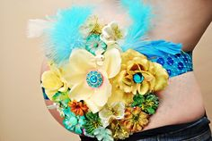 15 Belly Bouquets to Adorn Your Bump, I love these! So pretty :)