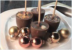 Trinkschokolade am Stiel http://www.cookandbackit.de/thema/geschenke-aus-der-kueche....22/