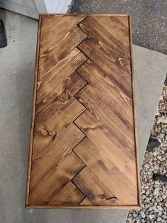 Herringbone Coffee Table with Hairpin Legs Handmade Rustic - Interior Decoration Accessories coffee tables Diy Dining Room Table, Wooden Dining Tables, Diy Coffee Table, Diy Table, Wood Table, Rustic Table, Main Door Design, Diy Pallet Projects, Pallet Ideas