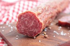 Want to do something with those extra pound of your round steak? Then try this Crockpot Braciole recipe! Charcuterie, Tuscan Salmon Recipe, Garlic White Wine Sauce, Sausage Filler, Italian Salami, Braciole Recipe, Bratwurst Sausage, Sausages, Best Pans