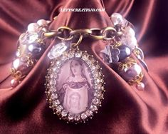 """Face of Love"" Vintage and New Catholic, Jesus, Saints Religious Medals Bracelet #Handmade #HolyMedalsPendantCharm #jesuschrist #veronicasveil #catholic www.letyscreations.com"