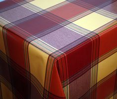 Butterscotch Check Tablelcoth