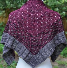 Love this three part, two color blending shawl pattern Ravelry: Fabergé pattern by Laura Aylor Knit Cowl, Knitted Shawls, Knit Or Crochet, Crochet Shawl, Crochet Granny, Shawl Patterns, Knitting Patterns, Knitting Tutorials, Stitch Patterns