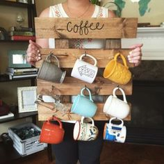 "Only I'd make it say ""Tea"" - This Pallet Coffee Cup Holder will look brilliant in your kitchen and it's so easy! Don't miss the Pallet Wine Rack and Nail Polish Coffee Mugs too."
