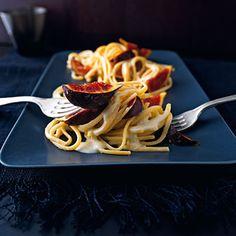 Linguine mit Feigen in pfeffriger Roquefortcreme Rezept | Küchengötter