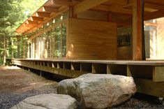 L'atelier Pierre Thibault Floating Architecture, Architecture Design, Japanese House, House In The Woods, Home Look, Interior And Exterior, Outdoor Structures, Inspiration, Building