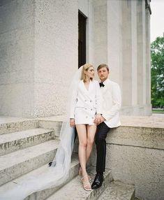 Civil Wedding Dresses, Wedding Dress Trends, Wedding Looks, Chic Wedding, Courthouse Wedding Photos, Couples Modeling, Pre Wedding Poses, Los Angeles Wedding Photographer, Portraits