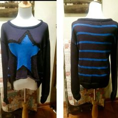 VINTAGE HAVANAH HIGH/LOW STAR SWEATER Cute sweater that's high in the front and longer in the back in gently used condition.. Navy with a blue star. Retail $68 Vintage Havana Sweaters Crew & Scoop Necks