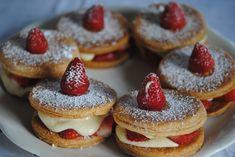 Découvrez les recettes Cooking Chef et partagez vos astuces et idées avec le Club pour profiter de vos avantages. http://www.cooking-chef.fr/espace-recettes/desserts-entremets-gateaux/feuillete-aux-fraises-a-la-creme-patissiere-au-mascarpone