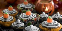 Halloween Kuppikakut Fall Recipes, Pumpkin Carving, Halloween Cupcakes, Desserts, Outdoor, Autumn, Feelings, Food, Fall