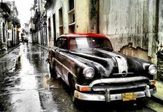 Cuba, a 'living museum' of old cars Retro Cars, Vintage Cars, Havana Cars, Cuban Cars, Old American Cars, Rockabilly Cars, Cuba Travel, Cross Wallpaper, The Beach