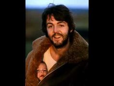 To most people, Linda McCartney was simply the wife of famed member of The Beatles, Paul McCartney. Paul with his daughter Mary . Ringo Starr, John Lennon, Janis Joplin, George Harrison, Jimi Hendrix, Family Shoot, Kreative Portraits, Singer Songwriter, Les Beatles