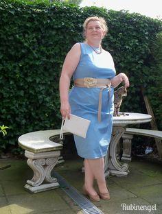 Plus Size Fashion Blog Iceblue Shift-Dress sewed by me