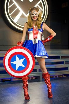 San Diego Comic-Con – Miss Captain America by Onigun, via Flickr    ### Family Friendly Things To Do in San Diego