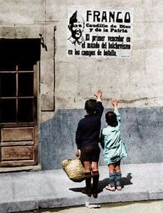 El Blog de la Loles Independiente 2: Variado History Photos, Art History, Vintage Pictures, Old Pictures, Guernica, Spanish War, Cultural Identity, Military Art, Poster On