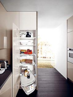 Fitted kitchen LUCREZIA by CESAR ARREDAMENTI | design Gian Vittorio Plazzogna
