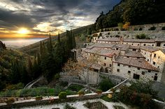 Cortona, Tuscany, Italy - One of the most favorite places I have ever been in this world! Places Around The World, Oh The Places You'll Go, Places To Travel, Places To Visit, Under The Tuscan Sun, Beautiful World, Beautiful Places, Villas, Destination Voyage
