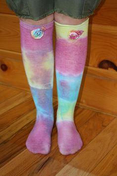 DIY tie-dye socks