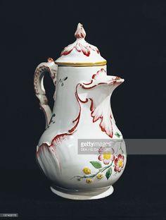 Coffee pot decorated with flowers from Strasbourg, ceramic, Antonio Ferretti manufacture, Lodi,