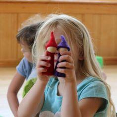 56-10080_Regenbogen-Gnome_03_web Pediatric Ot, Gnome, Seasons Kindergarten, Felt Tree, Group, Rain Bow, Felting, Amazing