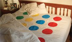 Twister-bed, this could be fun! Hell yes!