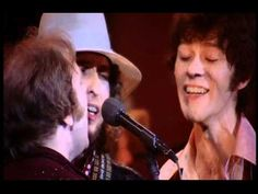 The Band: I Shall Be Released (The Last Waltz) - Featuring: Bob Dylan, Ringo Starr, Ronnie Wood, Joni Mitchell, Neil Young, Neil Diamond, Ronnie Hawkins And Van Morrison