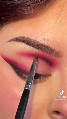 Dope Makeup, Bold Makeup Looks, Edgy Makeup, Eye Makeup Art, Makeup Inspo, Eye Makeup Designs, Alternative Makeup, Magical Makeup, Makeup Lessons