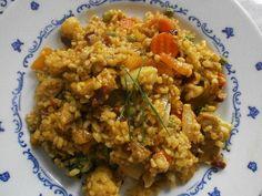Bulgur s krůtím masem a sušenými rajčaty Polenta, Fried Rice, Quinoa, Fries, Health Fitness, Ethnic Recipes, Food, Bulgur, Essen