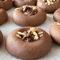 Galletas de Nutella - Rebel Without Applause Baking Recipes, Cookie Recipes, Dessert Recipes, Delicious Desserts, Yummy Food, Homemade Desserts, Deli Food, Chocolate Recipes, Chocolate Videos