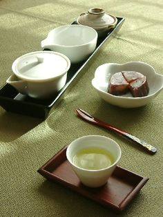 Japanese tea and sweets 玉露と 誉の陣太鼓