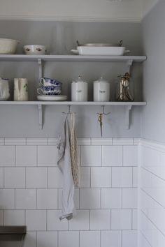 - Julia K - Metro Mode Interior Styling, Interior Design, Kitchen Dresser, Big Kitchen, Slow Living, House Goals, Simple House, Kitchen Styling, Farmhouse Table
