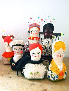 Escultura blanda pantalla muñeca alfiletero por JessQuinnSmallArt, £35.50