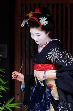 geisha-licious:    maiko Satsuki by MASA PHOTOS on Flickr