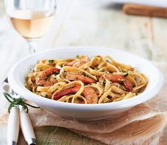 Zesty Artichoke Pesto with Shrimp. Want it fast and fancy? #powerchef - click link  http://tupperwareusca.tumblr.com/post/87229941704/zesty-artichoke-pesto-with-shrimp-want-it-fast