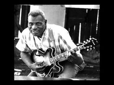 Photos by Sandy Guy Schoenfeld Blues musician Howlin' Wolf poses for a portrait session holding an Epiphone hollowbody electric guitar behind the Fillmore in July 1968 in San Francisco, California. Blues Artists, Music Artists, Rock Artists, Rock Roll, Good Music, My Music, Reggae Music, Mississippi, Elmore James