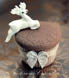 Cappuccino Cupcake with Dazzling Reindeer