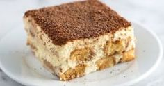 Tiramisu Recipe with Tips Tiramisu is one of our absolute favorite desserts. It is even simple to make, you just need a little time.Tiramisu is one of our absolute favorite desserts. It is even simple to make, you just need a little time. Italian Tiramisu, Italian Desserts, Köstliche Desserts, How To Make Tiramisu, Homemade Tiramisu, Dessert Thermomix, Chocolate Tiramisu, Tiramisu Cake, Cake Recipes