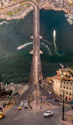 FLAT LAND est un projet imaginé par le photographe et artiste turque Aydin Buyuktas, qui transporte les paysages surréalistes et déformés du film Inceptio