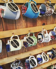 """このように1つ1つのコーヒーカップは新郎新婦がこの人にはこのカップと選んだもの。 ゲストも嬉しいプレゼントです! そしてパーティーテーマ""""STAY""""のテーマアイコンである蝶ネクタイもチェックでカップにIN!! エスコートカードもコーヒー豆です❤︎ #STAY #TRUNKデコレーション #trunkbyshotogallery #渋谷#shibuya#wedding#結婚式#flower#お花#decoration#display#プレ花嫁#ゼクシィ#DIY#love#会場 #装飾#オシャレ#可愛い"""