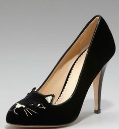 Charlotte Olympia 'Cat Face' velvet pumps >> Shoeperwoman