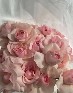 Flower Aesthetic, White Aesthetic, Classy Aesthetic, Aesthetic Outfit, Pink Flower Pictures, Light Pink Flowers, Pink Tone, Aesthetic Backgrounds, Cute Pink
