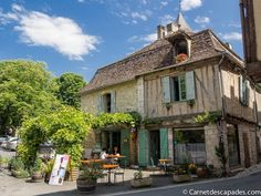 Issigeac Escapade, France, Blog Voyage, Places To Visit, Cabin, Mansions, House Styles, Home, Manor Houses