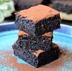 Ljuvliga brownies utan mjöl, smör och socker.