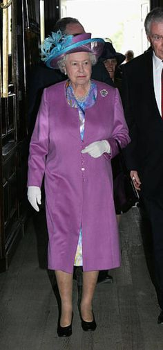 Williamsburg Virginia, Save The Queen, Queen Elizabeth Ii, Two By Two, Anniversary, United States, House, Fashion, Moda