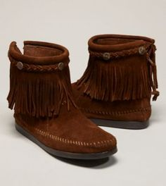 minnetonka high top moccasin zip-up booties...yeah. so on my christmas list.